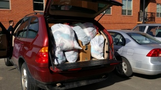 Thanks to Roberta's friend, Bertram, we had a car big enough to transport ALL the stuff to the thrift store. It was only about 5 trips...lol